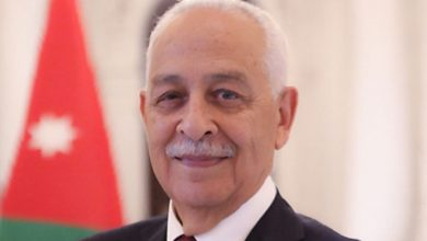 صورة العيسوي يعزي بوفاة الوزير الأسبق وليد عصفور