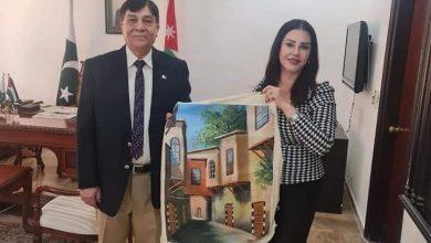 صورة رئيسة جمعية الاخاء الاردنية العراقية شنكول قادر تلتقي السفير الباكستاني